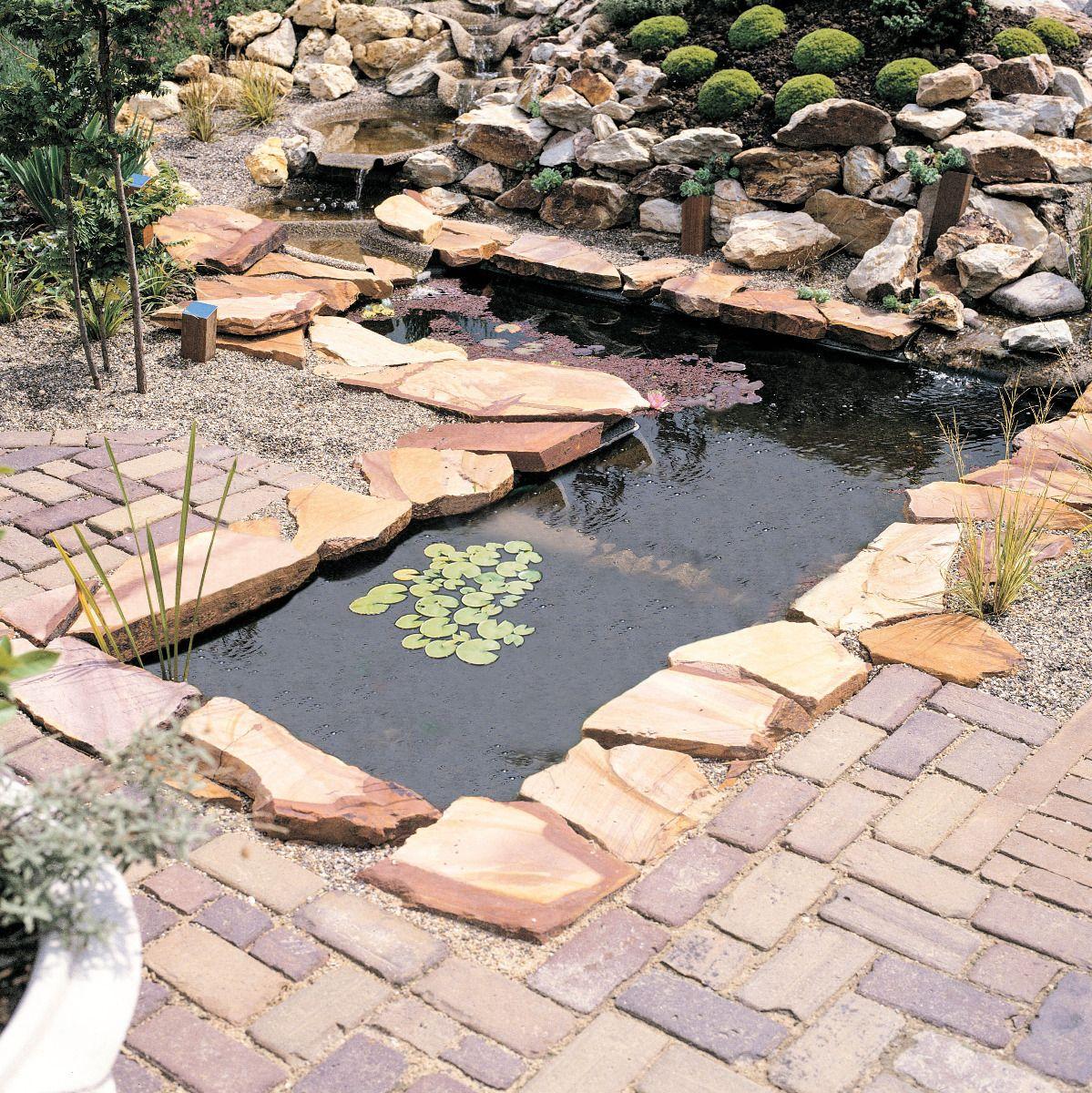 Comment Faire Un Petit Bassin Aquatique comment installer un bassin de jardin préformé ?