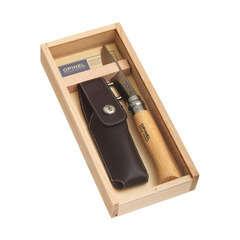 Couteau n°8 inox, manche en olivier.