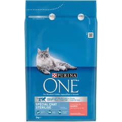 Croquettes chat One stérilisé, au saumon et blé: 3 kg