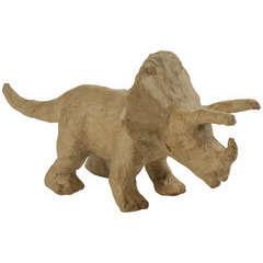 Triceratops, en papier mâché L. 19 cm