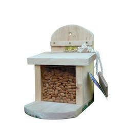 Mangeoire pour ecureuil, en bois FSC L.19,5 x 17 x H.23 cm