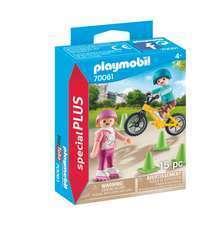 Figurine : Enfants avec vélo et rollers