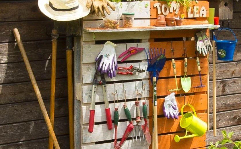 réalisation palette outils de jardin