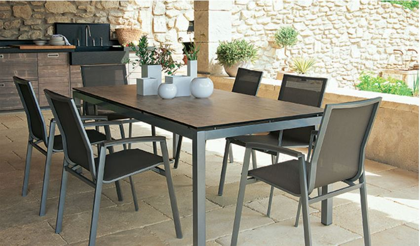 plateau table de jardin en bois