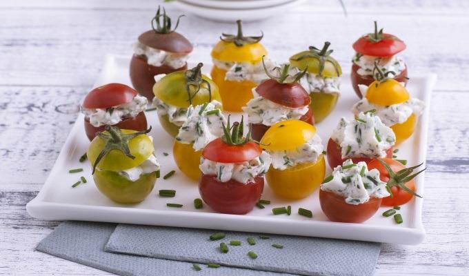 Tomates cerises farcies aux herbes