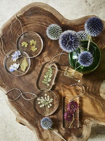 résine fleurs séchées