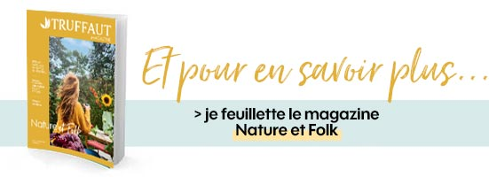 Je feuillette le magazine Nature et Folk