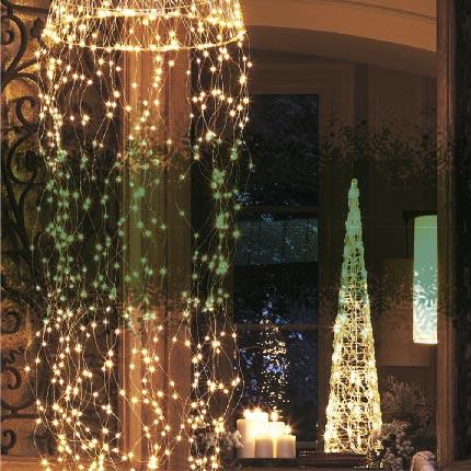 Personnages et objets lumineux de Noël
